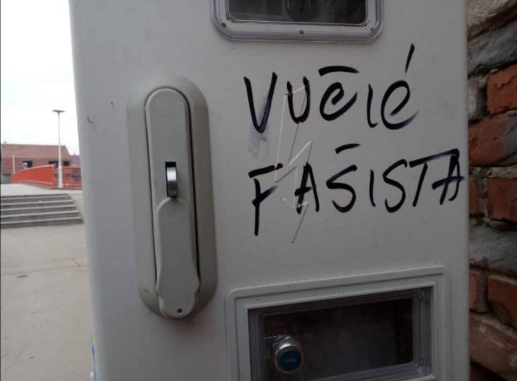 Osvanuo grafit: Vučić Fašista! Reagovala SNS