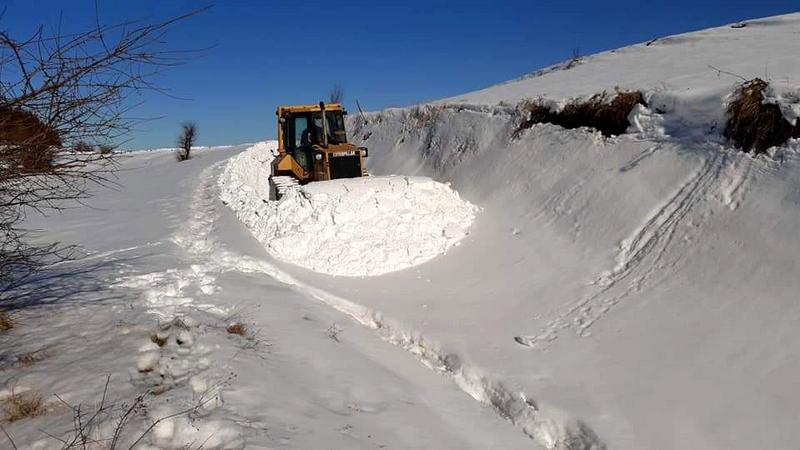 Mašine čiste snežne nanose u Bareliću