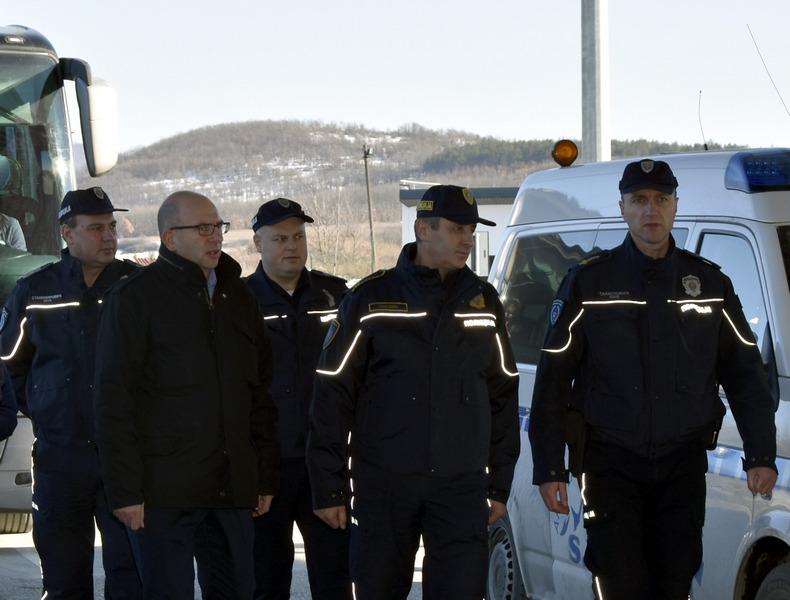 Načelnik Uprave policije posetio policajce u Merdaru