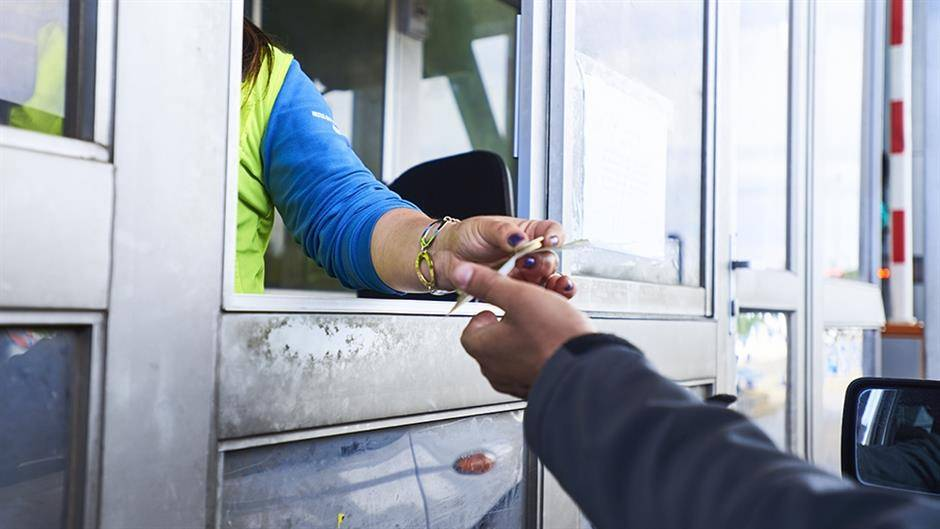 Karta na naplatnoj rampi na ulazu u Leskovac skuplja od autobuske karte do Beograda