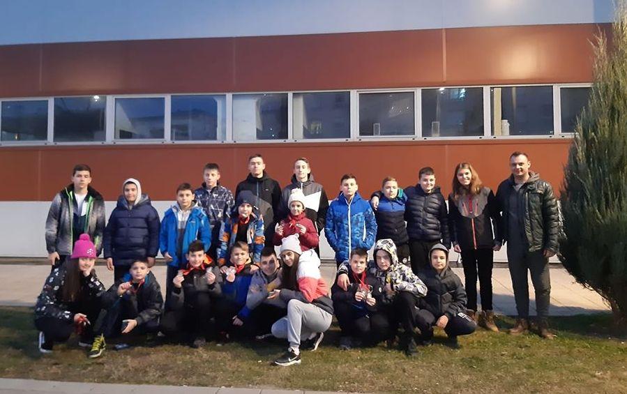 PK Leskovac se vratio iz Kragujevca sa 15 medalja i dva pehara