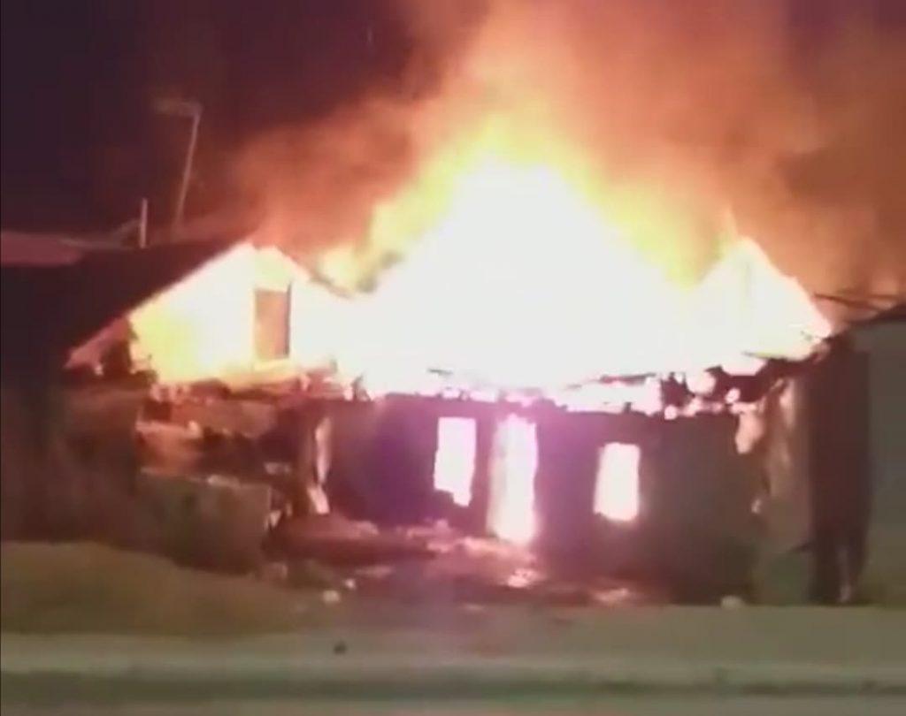 Porodica sa troje male dece u požaru izgubila sve