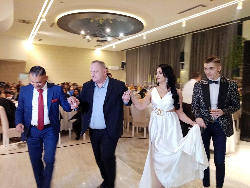 Romski bal otvorio gradonačelnik Leskovca, proglašeni najlepši učesnici