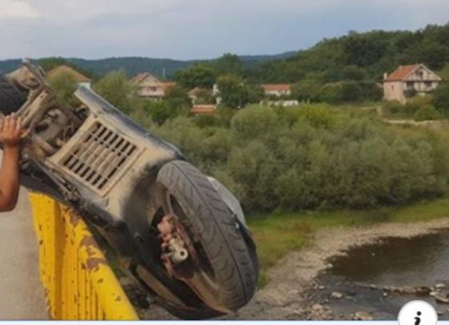 HIT VIDEO: Leskovčanin zbog saobraćajne kazne bacio motor u reku