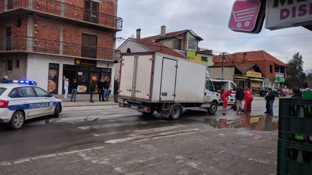Preminuo muškarac pregažen juče u Leskovcu, njegova supruga životno ugrožena