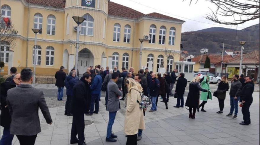 Novinari iz Albanije u poseti kolegama i političarima u Bujanovcu i Preševu