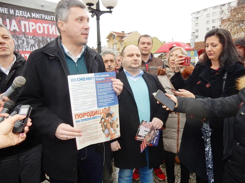 Obradović: Vučić je već pao, samo mi još nismo ispravili kičmu (foto,video)