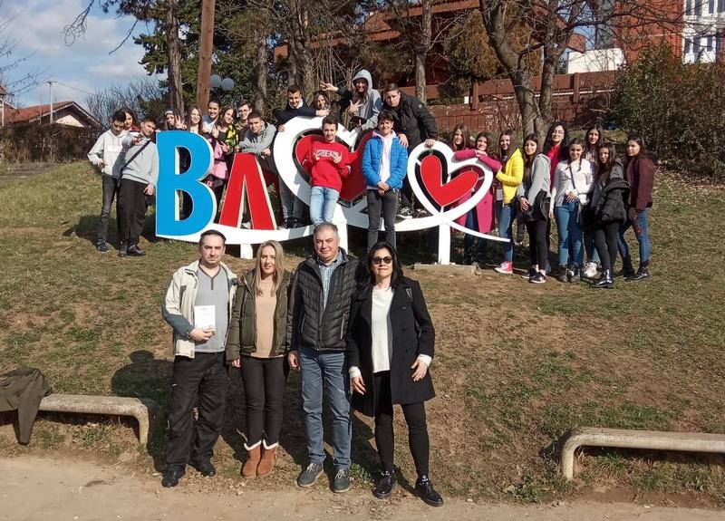 Makedonske srednjoškolce oduševilo Šurdino rodno mesto