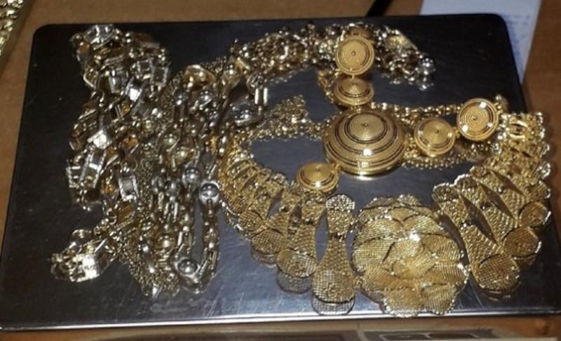 Francuz pokušao da prokrijumčari 58.000 evra i pola kilograma zlata