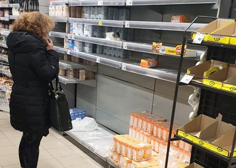 Leskovčani počeli da prazne rafove, a ovo se najviše kupuje (FOTO)