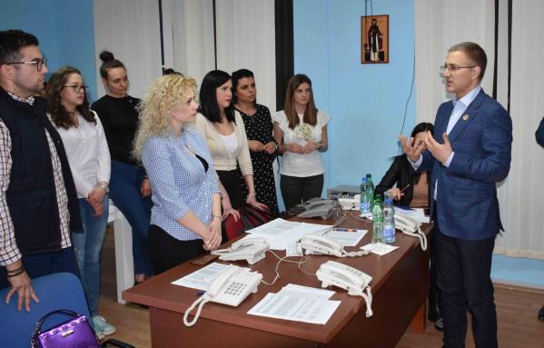 Stefanović sinoć razgovarao sa mladim naprednjacima u Leskovcu