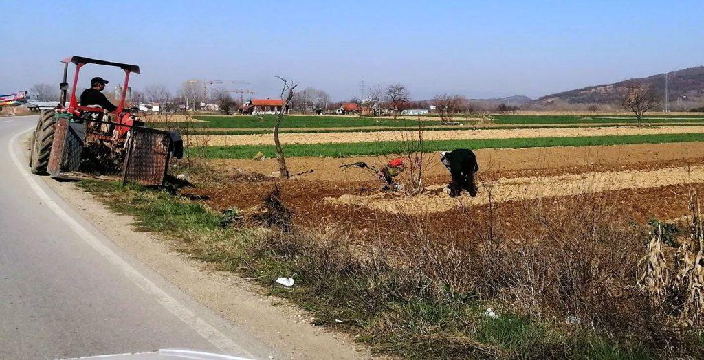 Skočila prodaja poljoprivrednih mašina: Da li je korona vratila ljude na selo?