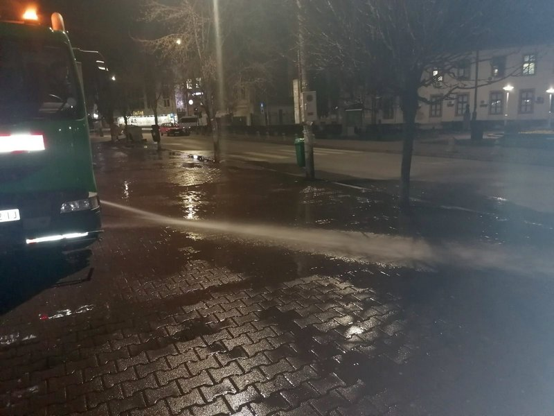 Dezinfikovane ulice u Vlasotincu, posao se nastavlja i danas