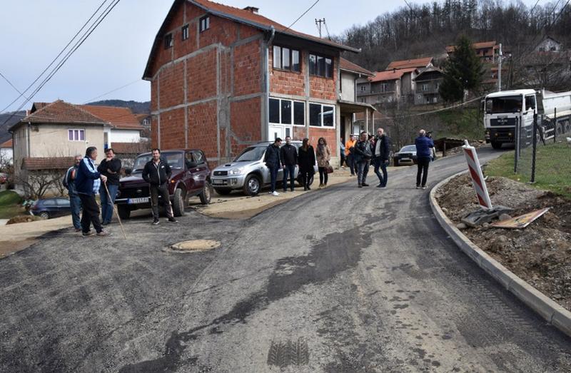 Asfaltiranje ulice u najgušće naseljenom delu Predejana