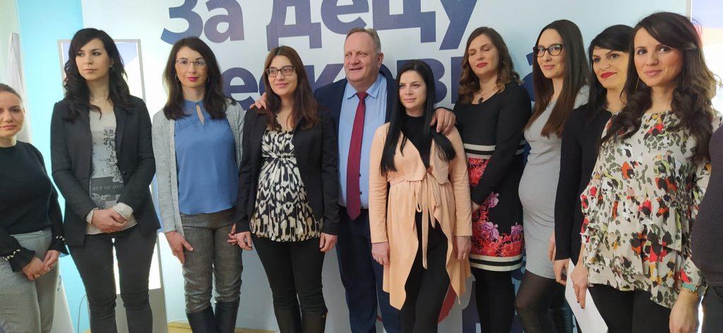 Leskovac: Trudnice u prvom planu na promociji odborničkih kandidatkinja SNS (video)