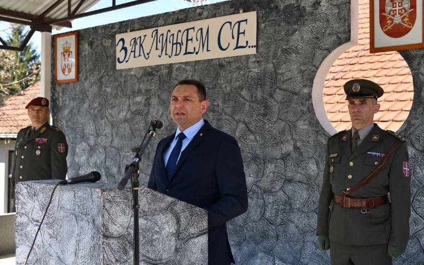 NUNS: Ministar Aleksandar Vulin da prestane da targetira novinare