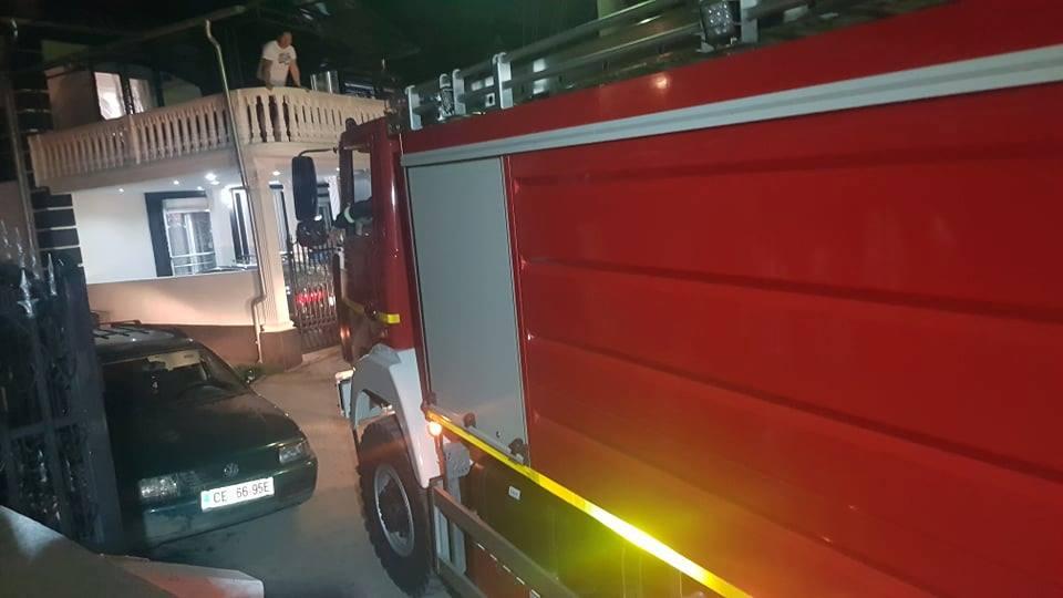 Zapalio sopstvenu kuću nakon porodične svađe, pa pobegao