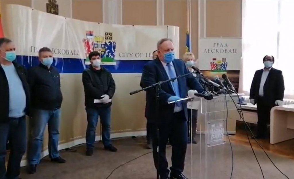 """Gradonačelnik Leskovca poručio radnicima """"Jure"""" da budu složni (video)"""