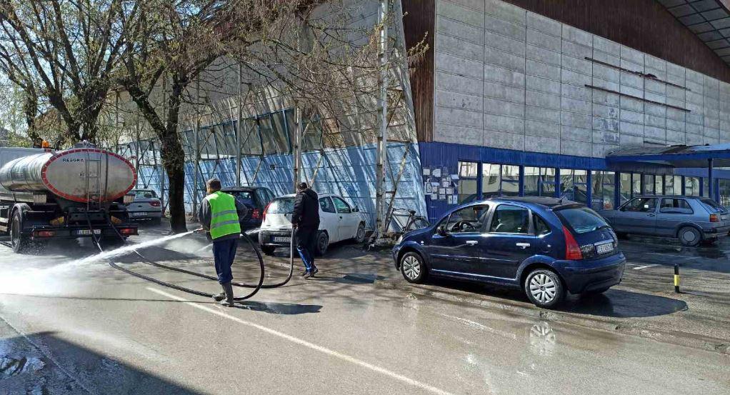 Plavi paviljon se priprema za pakovanje paketa pomoći za penzionere i socijalno ugrožene