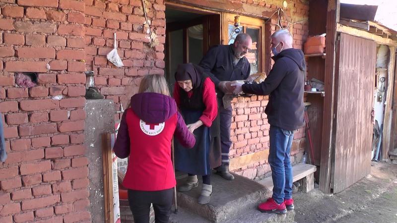 Namirnice i lekovi za meštane sela Sinja Glava i Pasjač