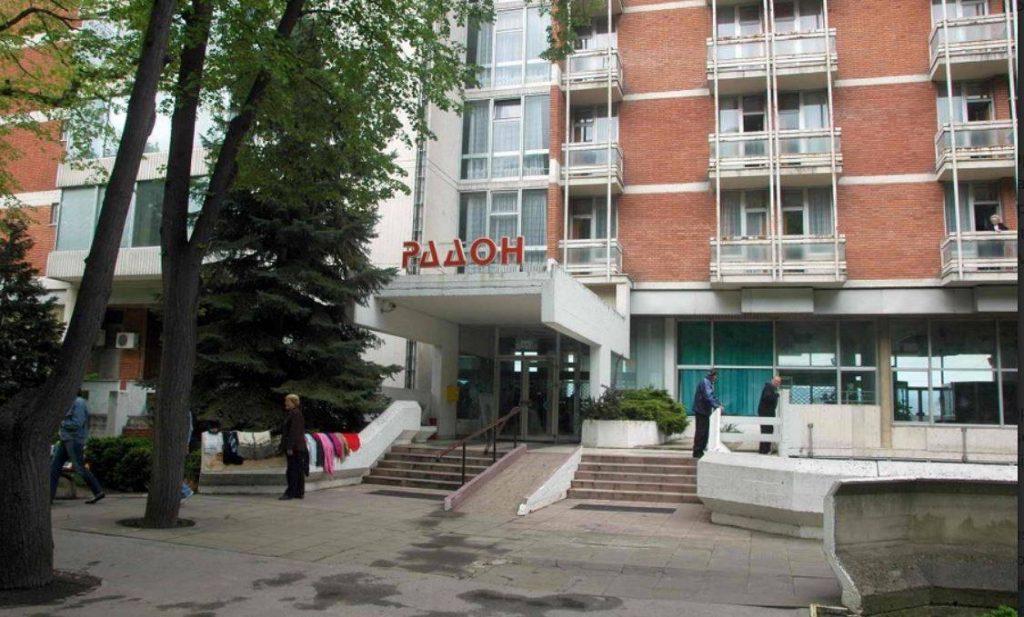 Zdravstveni radnici iz Leskovca sa virusom korona se pobunili u Niškoj Banji