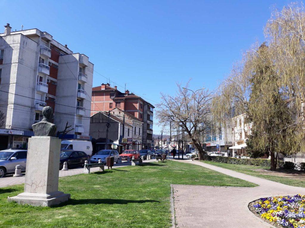 Radno vreme prodavnica i marketa u Vlasotincu do petka popodne