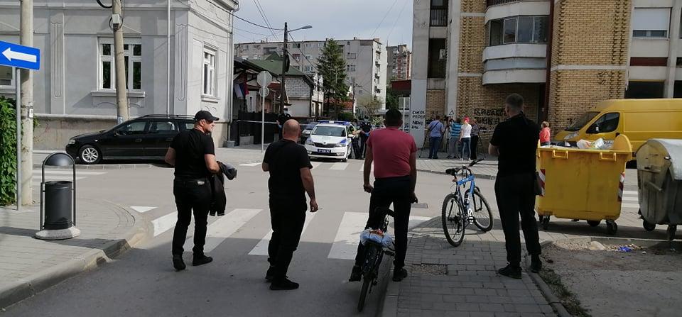 Mladić sekirom ubio svoju četvoročlanu porodicu u Leskovcu