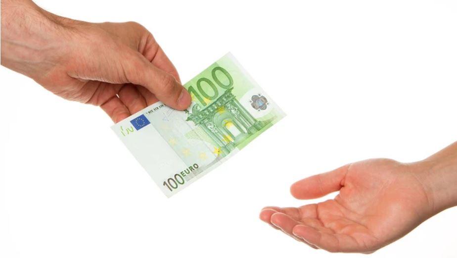 Sutra počinje isplata 100 evra za sve građane koji su se prijavili