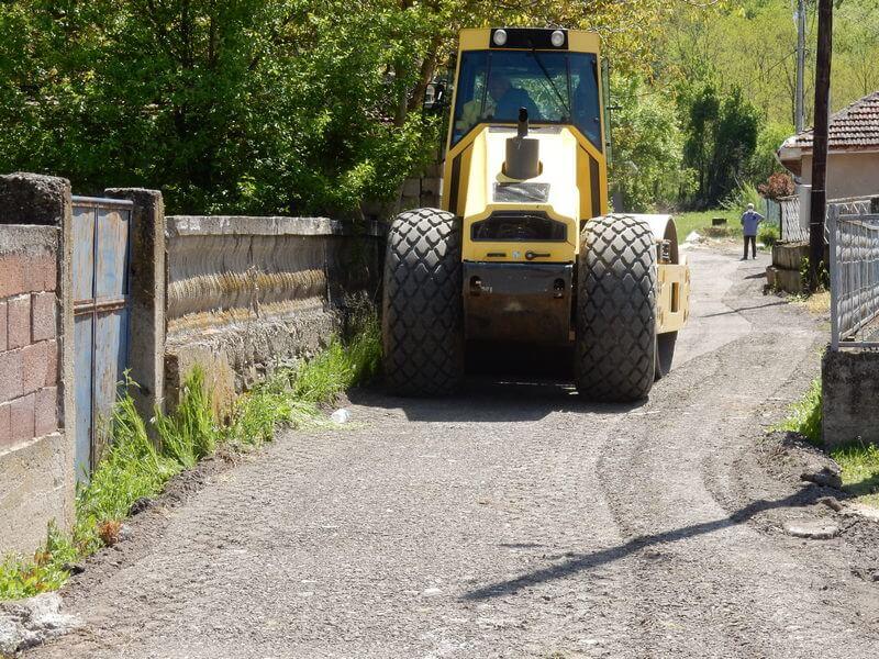Nastavlja se sa ugradnjom grebanog asfalta, danas u Pečenjevcu
