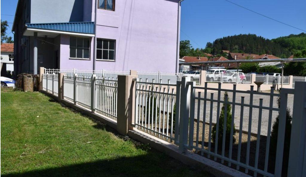 Nova ograda za škole u centru Grdelice