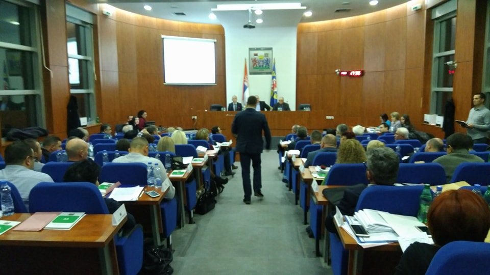 Dnevnik uvreda leskovačkih političara