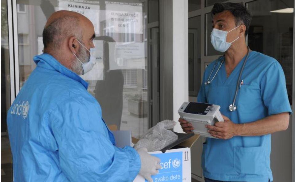 Protokomeri i pulsni oksimetar donirani KBC Niš i covid bolnici u Leskovcu