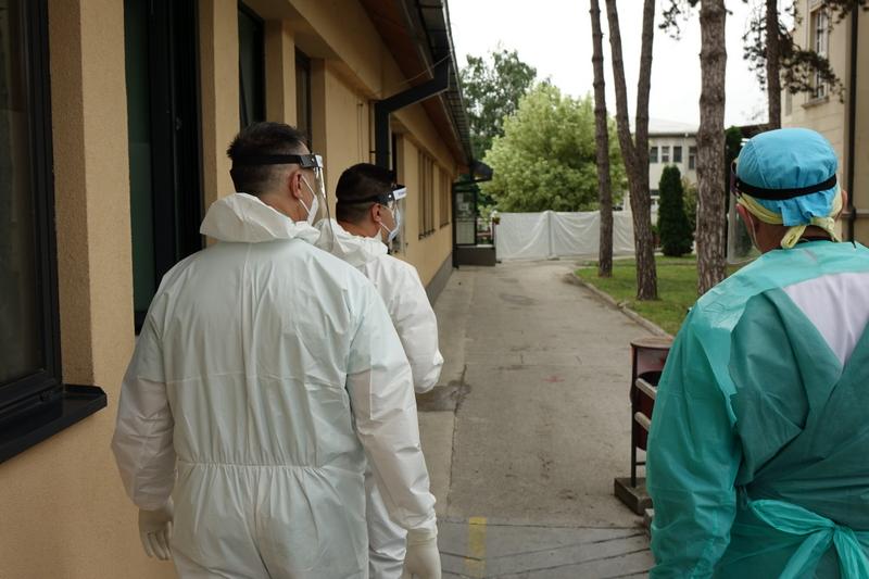 U Lebanu sedmoro zaraženih za nedelju dana, u Leskovcu političari aktivni u predizbornoj kampanji