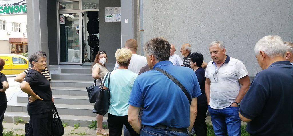 """Bivšim radnicima """"Balkana"""" obećano 40 evra po akciji, isplaćuju im svega 96 dinara"""