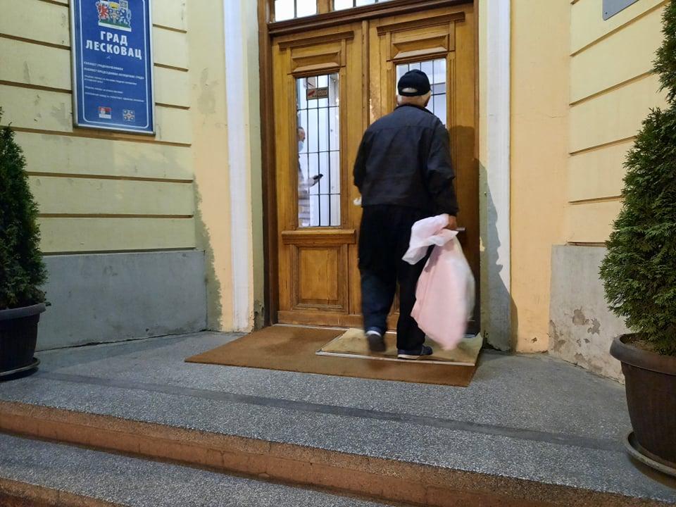 PRVI REZULTATI: U leskovačkom parlamentu bez većih promena – ispali radikali, na mala vrata ušao Gojko Veličković