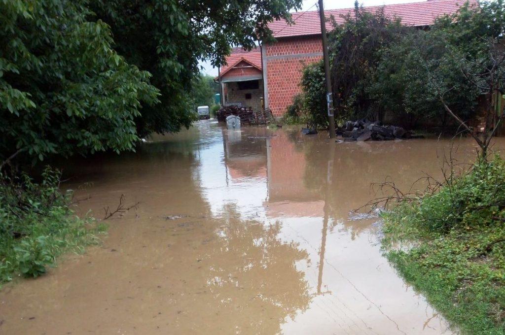 U Bogojevcu poplavljena dvorišta i kuće, problemi i u Palikući, voda se povukla iz samog Žabljana, ali sa njiva nije