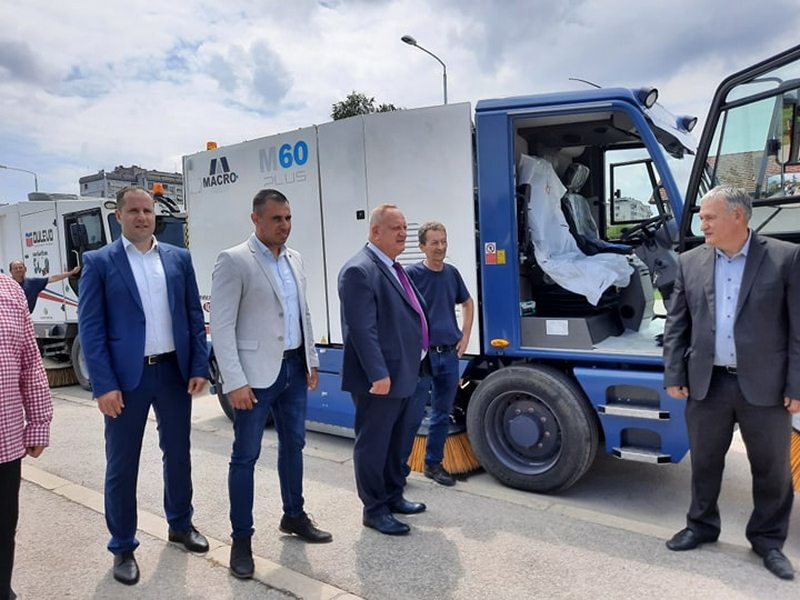 Još dve nove čistilice za pranje ulica u Leskovcu i Grdelici