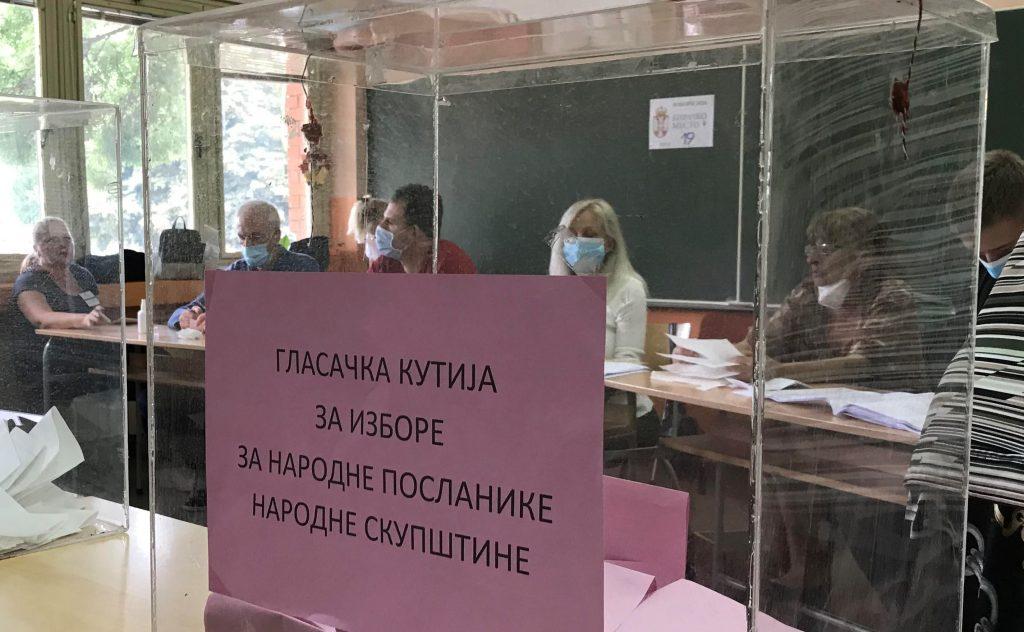 Najveća izlaznost u Bojniku, najmanja u Leskovcu, do zatvaranja birališta ostalo manje od dva sata