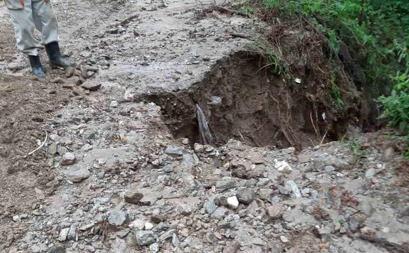 Olujno nevreme pogodilo Crkovnicu, Golemu Njivu i Oraovicu, uništeni atarski putevi i poljoprivredni usevi