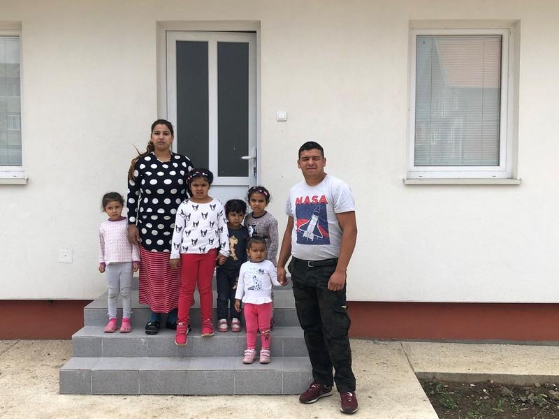 Najugroženije romske porodice iz Male Gube dobijaju nove kuće
