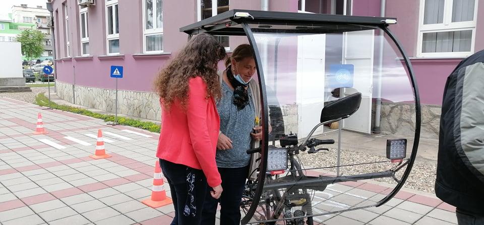 Svetski dan bicikla u Leskovcu obeležen promocijom motorizovanog i solarnog dvotočkaša