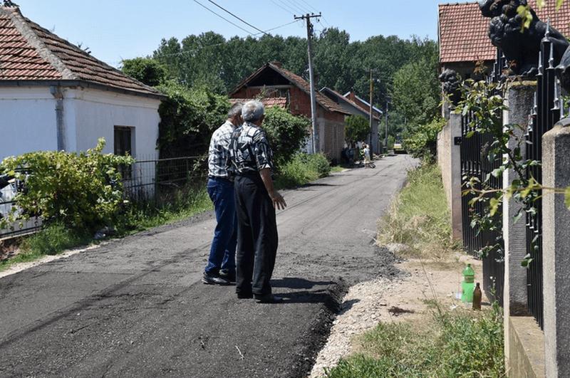 Nastavlja se ugradnja grebanog asfalta, od ponedeljka izmena režima saobraćaja u ulici Ivana Milutinovića
