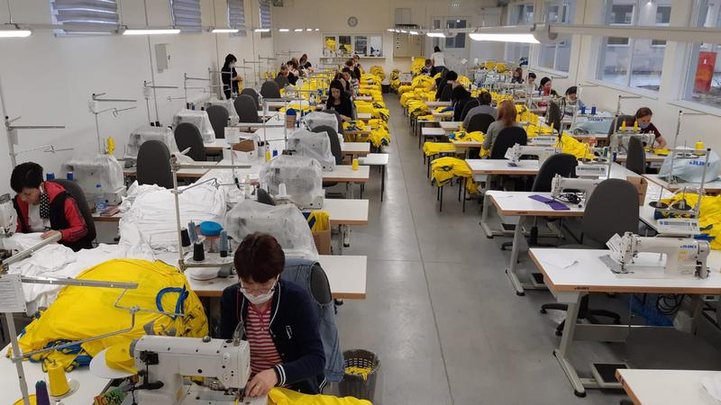 Kompanija FUSH iz Gredelice traži majstora za sito – štampu, mehaničara šivaćih mašina i šivača