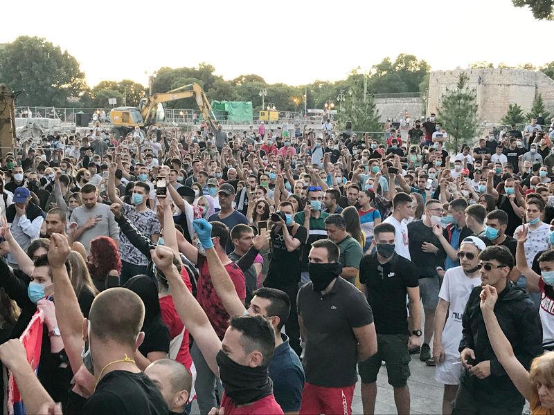 Protest u Nišu predvodili mladi, okupljanje i u Leskovcu (video)