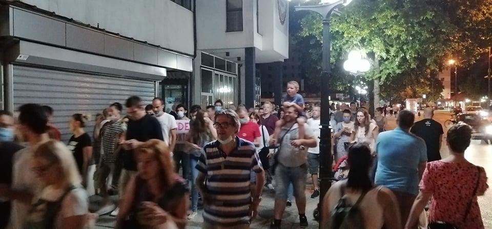 Na protestima u Leskovcu sirene za uzbunu