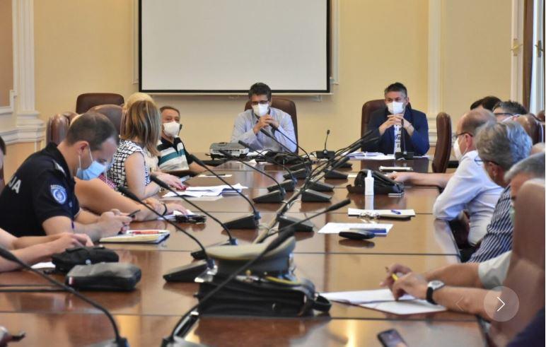 Zatvoren kafić u Kazandžijskom sokačetu zbog nepoštovanja mera, Nišku Banju ponovo spremaju za prihvat velikog broja pacijenata