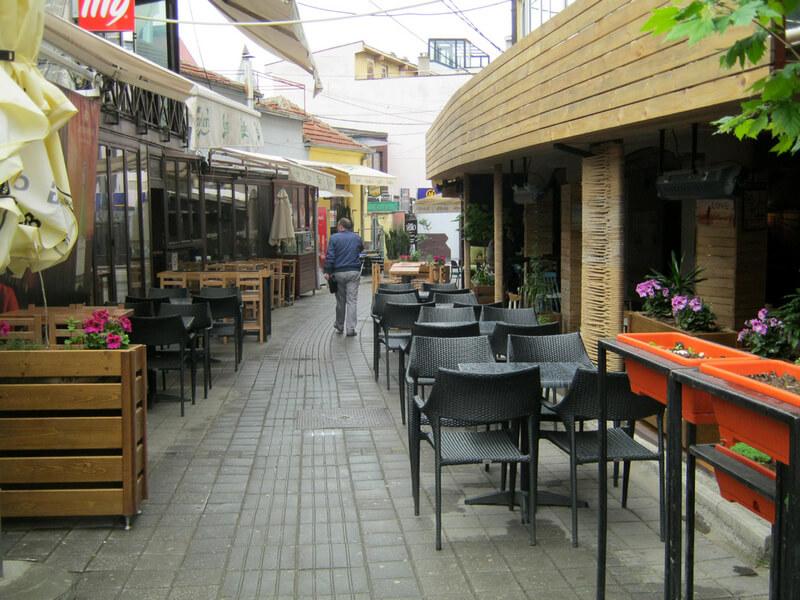 Produžen rad restorana, kafića i trgovinskih objekata, bez karantina za naše državljane
