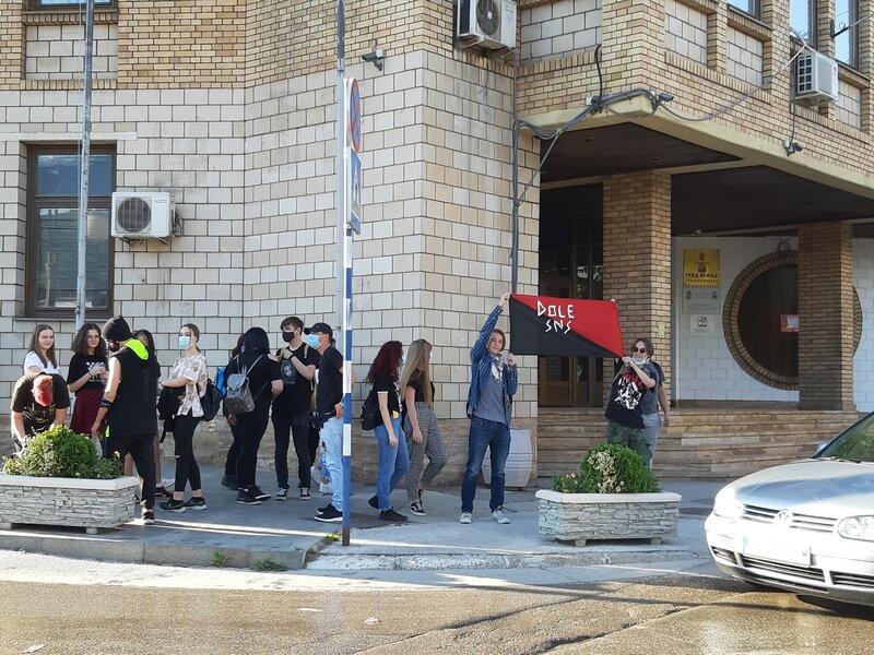 Prvi protesti protiv diktature i u Vranju