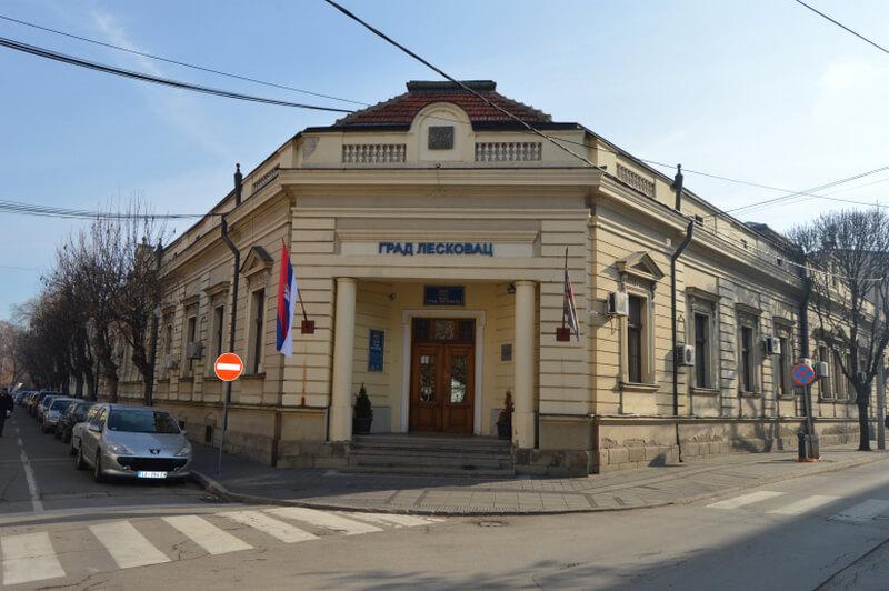 Leskovac raspisao Javni poziv za rešavanje stambenih potreba izbeglih i raseljenih