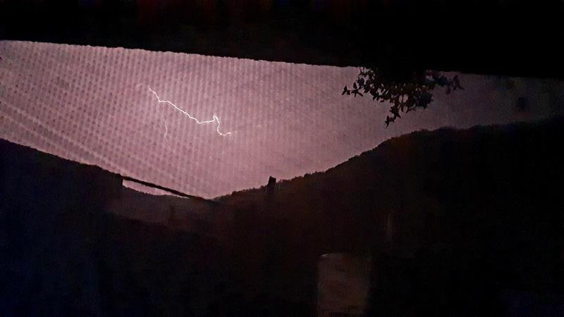 Upozorenje RHMZ: U Srbiji na snazi žuti meteo alarm, sutra pljuskovi i grmljavine, za vikend tropske temperature